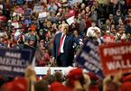 Bầu cử giữa kỳ Mỹ: Đảng Dân chủ lên ngôi, ông Trump gặp khó?