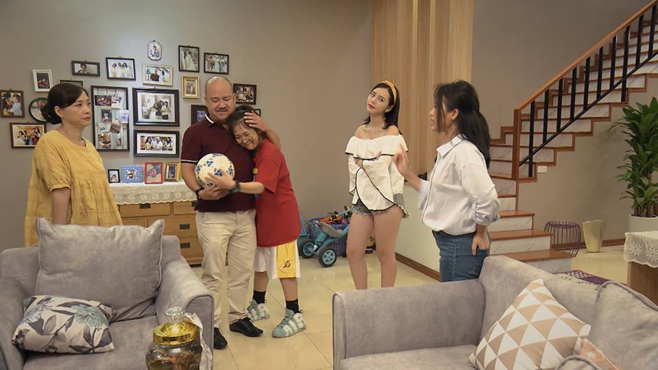 Gái quê láo nhất 'Quỳnh búp bê' lột xác thành hotgirl quyến rũ