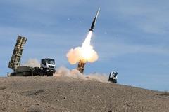 Iran rầm rộ tập trận đáp trả Mỹ