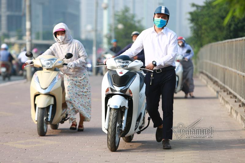 CSGT,dắt xe đi bộ trên vỉa hè,đường Tố Hữu