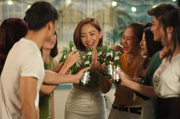 Hé lộ 3 điểm thú vị từ MV Stay Open bản Việt