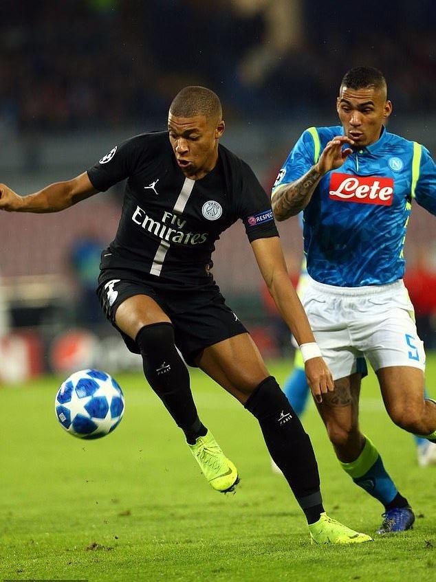 Neymar 'tịt ngòi', PSG bị Napoli cưa điểm