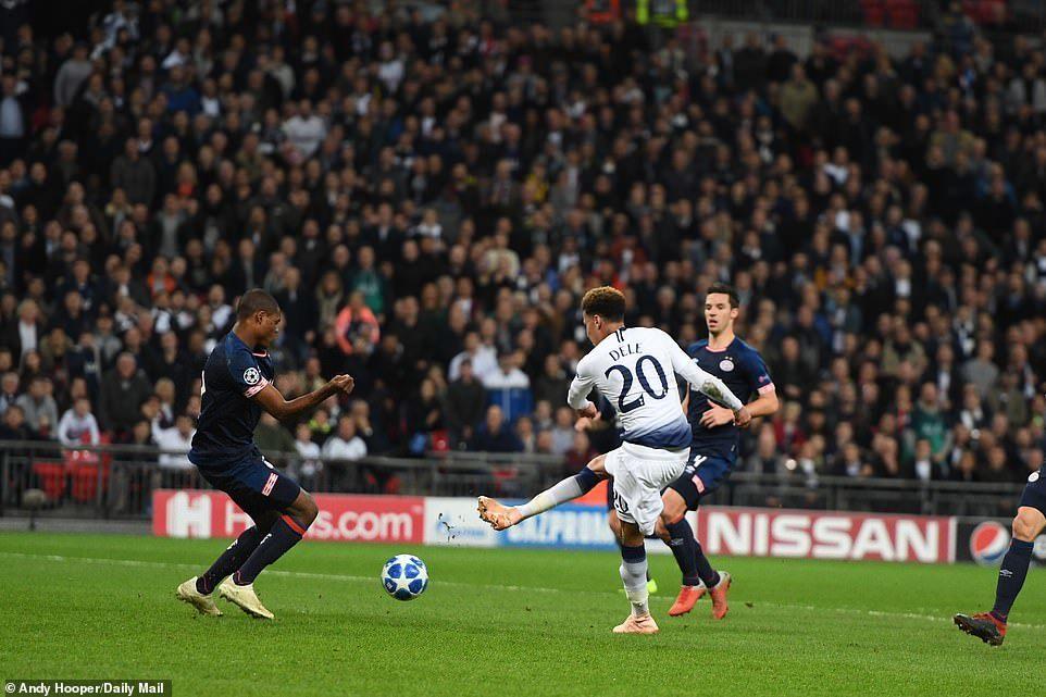 Harry Kane lập cú đúp, Tottenham ngược dòng ngoạn mục hạ PSV