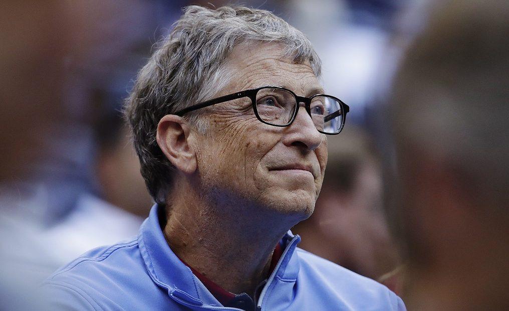 Bill Gates: 'thuế robot' sẽ giúp con người không bị cướp việc