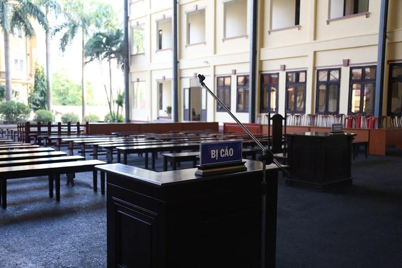 Sân tòa 1.000 m2 xét xử cựu tướng Phan Văn Vĩnh