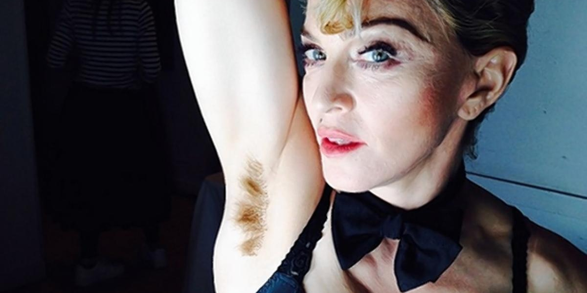 Con gái Madonna mặc xuyên thấu, lộ ngực và điểm phản cảm trên cơ thể