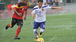 """""""Messi Lào"""" muốn hạ tuyển Việt Nam và chơi bóng tại V-League"""