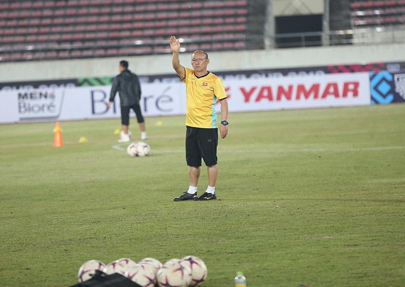 Tuyển Việt Nam lộ đội hình đấu Lào: Tin vui cho Xuân Trường, Công Phượng