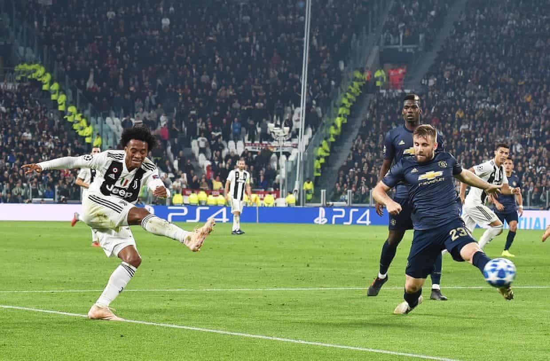 MU 'lật kèo' Juventus: Ngày Mourinho là ngôi sao