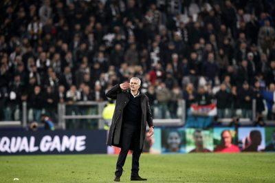 Mourinho ngạo nghễ ăn mừng chế giễu CĐV Juventus