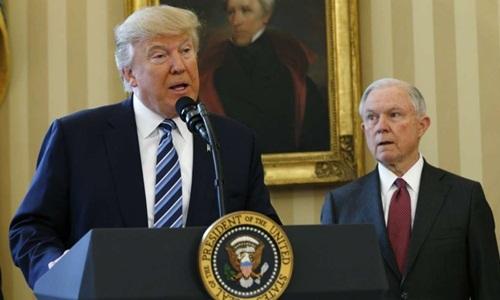 Ông Trump bất ngờ sa thải bộ trưởng tư pháp