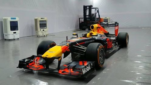 Tiết lộ tổng trị giá của một chiếc xe đua F1 đang có mặt tại Hà Nội
