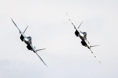 'Nghẹt thở' nhìn chiến cơ mới của Nga chao lượn