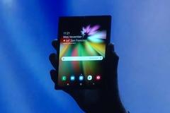 Samsung bất ngờ ra mắt nguyên mẫu điện thoại màn hình gập siêu nét