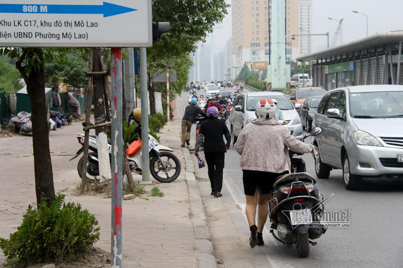 buýt nhanh BRT,tắc đường,đi ngược chiều