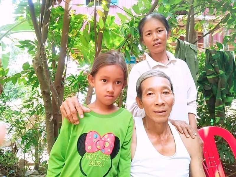 Trở về sau 25 năm báo tử: Tưởng đã chết về thắp hương bố mẹ khuất núi