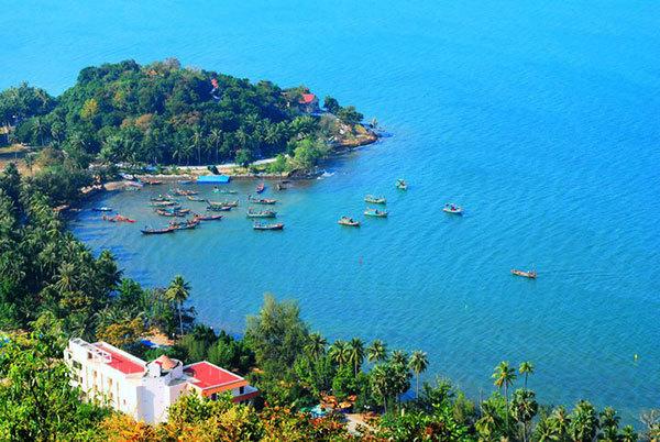 Khách du lịch Hà Tiên đông ngang ngửa Phú Quốc