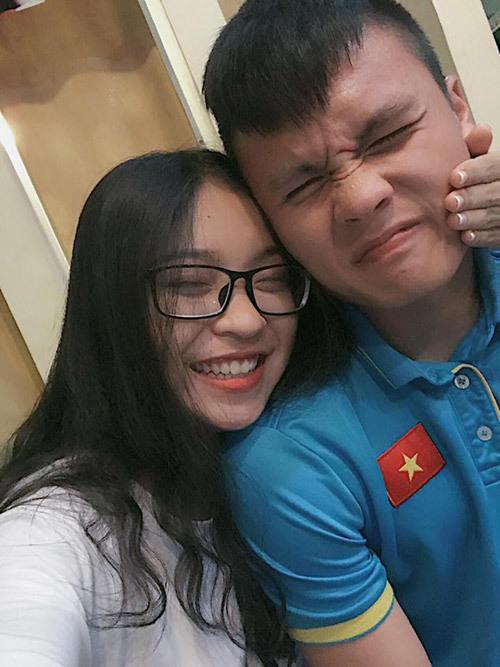 Bạn gái Quang Hải diện áo tắm, khoe thân hình nóng bỏng