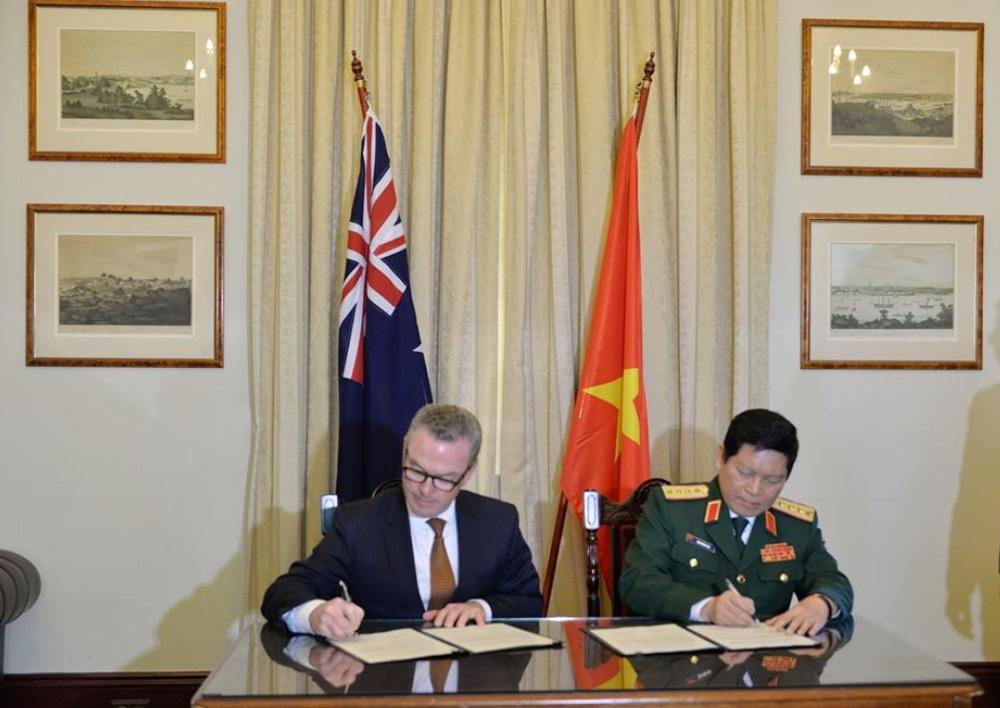 Australia,Việt-Úc,Bộ trưởng Quốc phòng