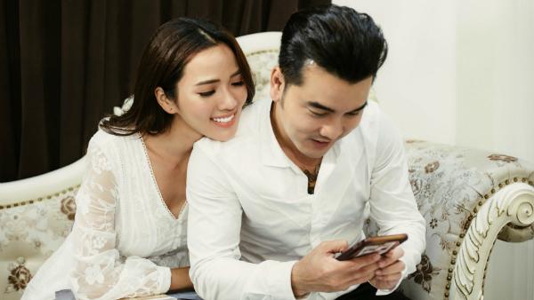 Ưng Hoàng Phúc - Kim Cương hé lộ thiệp cưới đẹp ngỡ ngàng