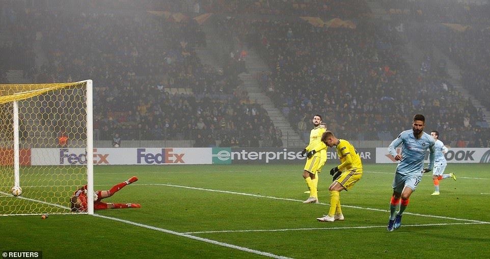 Chelsea đoạt vé sớm, Arsenal bị cầm chân ở Europa League