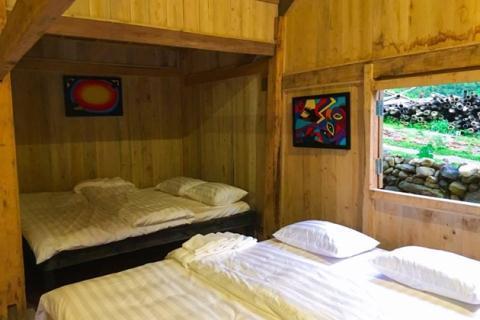 Một phòng view ra suối của U.E.L được cho là tương tự với phòng mà Rory G. thuê