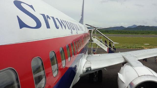 Máy bay hoãn chuyến, hành khách và phi hành đoàn cãi nhau to vì mùi sầu riêng