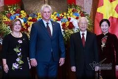 Hình ảnh Tổng bí thư, Chủ tịch nước đón Chủ tịch Cuba