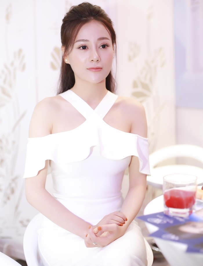 Quỳnh búp bê,Phương Oanh,Hồng Quế