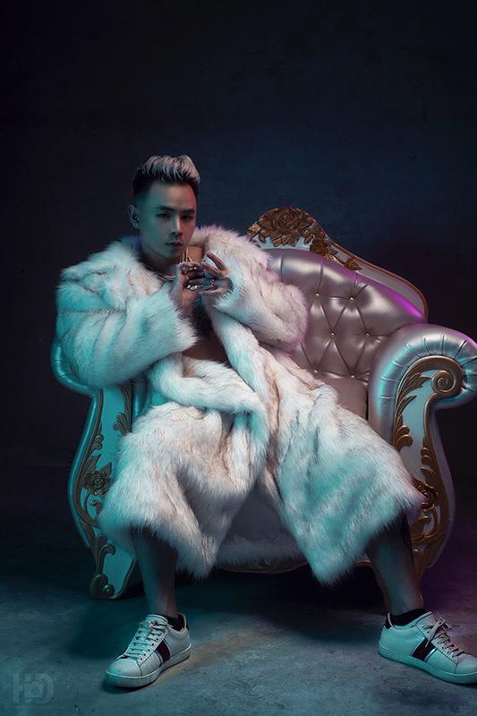 Ca sĩ từng khiến Lại Văn Sâm mê mẩn tung MV ấn tượng