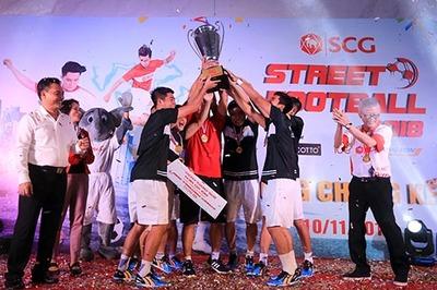 Ngày hội bóng đá đường phố tại Hồ Gươm