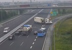 Xe container quay đầu, đi ngược chiều trên cao tốc Hà Nội-Hải Phòng