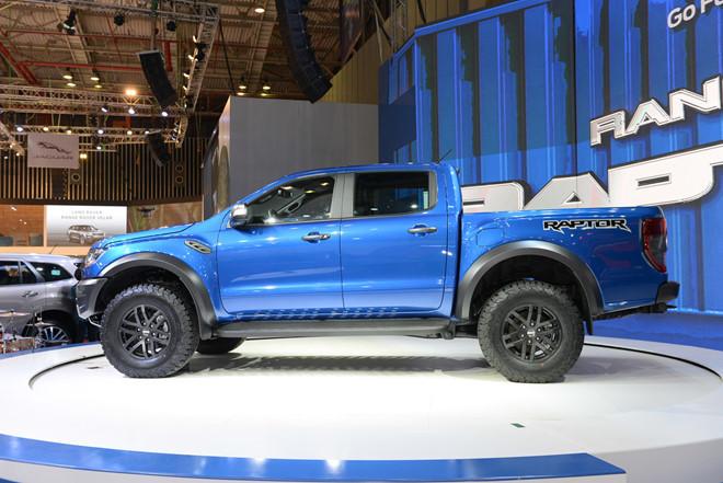 Ford Ranger Raptor loạn giá ở Việt Nam, 'bia kèm lạc' 150-200 triệu