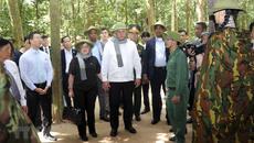 Chủ tịch Cuba thăm khu di tích lịch sử địa đạo Củ Chi