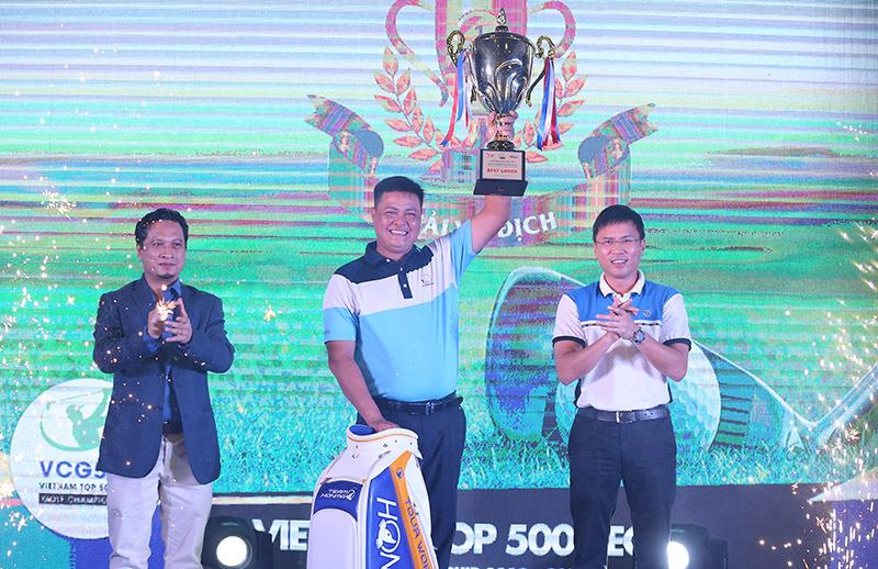 Golfer Trần Quang vô địch giải  VCG500 2018-2019