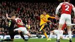 Mkhitaryan giải cứu Arsenal ở phút chót
