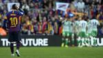 Messi tái xuất ấn tượng, Barca vẫn thua thảm Betis