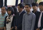 Ông Phan Văn Vĩnh bối rối trước tòa