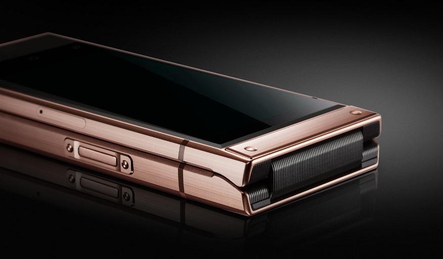 Samsung ra mắt điện thoại vỏ sò màn hình Dual AMOLED