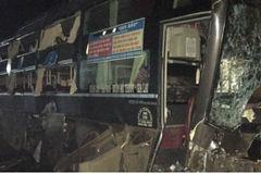 Xe khách mất lái đâm vào nhà dân, phụ xe tử vong tại chỗ