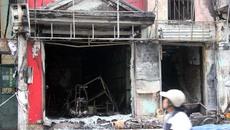Hà Nội: Ngôi nhà cháy 'trơ khung', 2 người cấp cứu