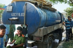 Đà Nẵng: Bắt quả tang tài xế trút cả xe chất thải xuống cống nước