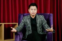 Dương Cầm: 'Ca sĩ hải ngoại hát ra chất bolero hơn ca sĩ trong nước'