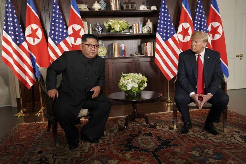 Ông Trump 'bênh' Kim Jong Un, tấn công truyền thông