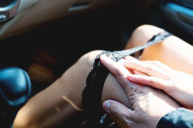 xe tự lái,mại dâm