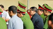 Luật sư xin cho bị cáo Phan Văn Vĩnh được vào phòng y tế