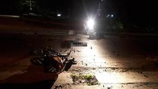 Quảng Nam: 2 xe máy đối đầu nát vụn, 3 người chết