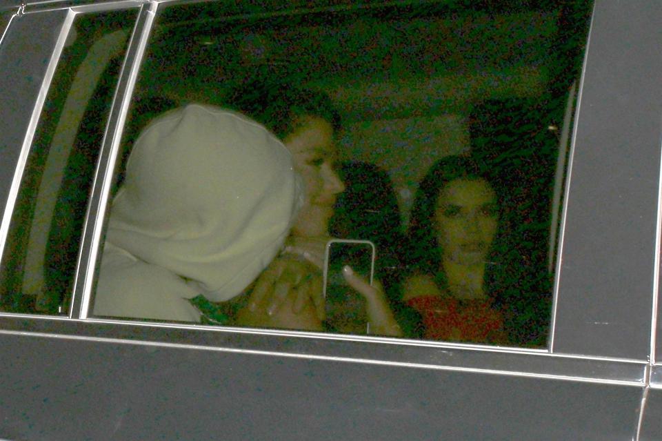 Aguero 'bay đêm' với 4 kiều nữ xinh đẹp bốc lửa