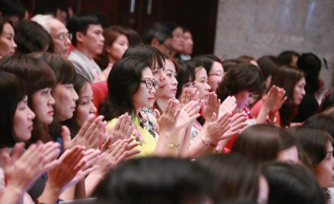 Hà Nội tuyên dương các nhà giáo mẫu mực tiêu biểu năm 2018