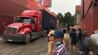 Lùi xe container gây tai nạn chết người trong cảng ở Sài Gòn
